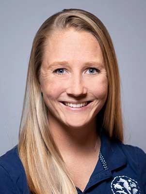 Kelly Cox headshot